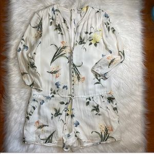 Joie cream floral romper long sleeve sz small